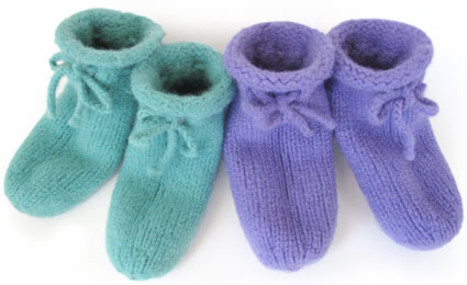 Bed Socks Knitting Pattern 2 Needles : Bed Slippers KnitKit - Morehouse Farm