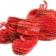 Baby-Hat&Booties-v-red-300
