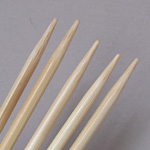 Clover Bamboo Double-Pointed Knitting Needles US Size 9 (5.5 mm)